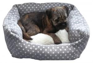 Rosewood 40 Winks Small Dog/ Cat Sleeper Bed, 16-inch, Grey/ Cream Spot