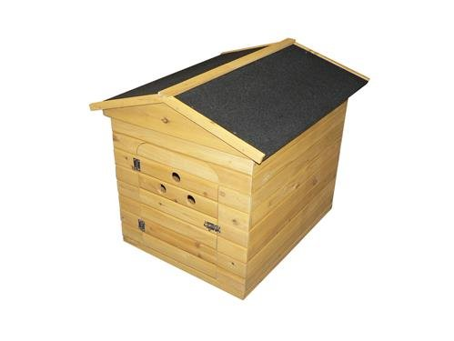 Traditional Wooden Apex Dog Kennel